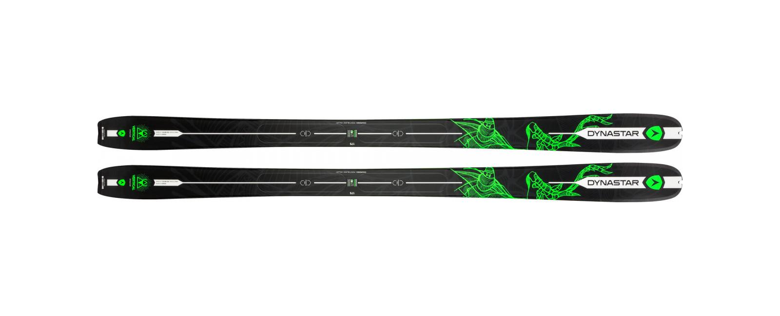 skis VERTICAL DEER